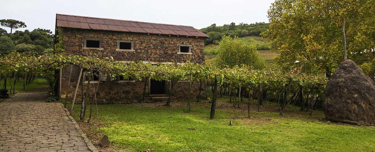 Casa em vinhedo que serviu de locação para O Quatrilho, no Rio Grande do Sul