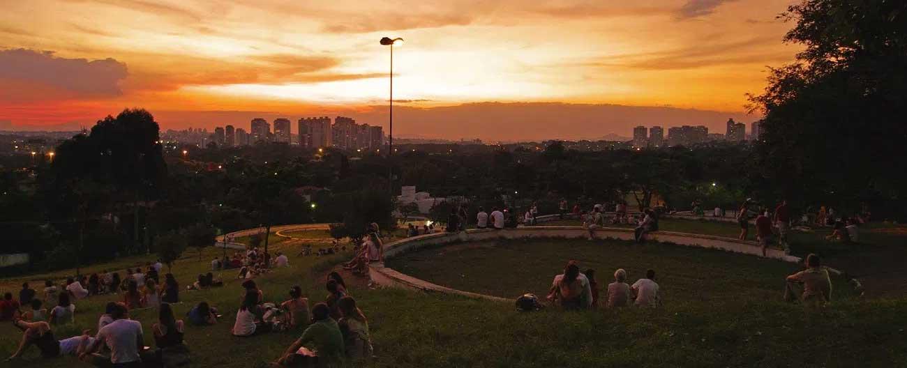 Praça Pôr-do-Sol